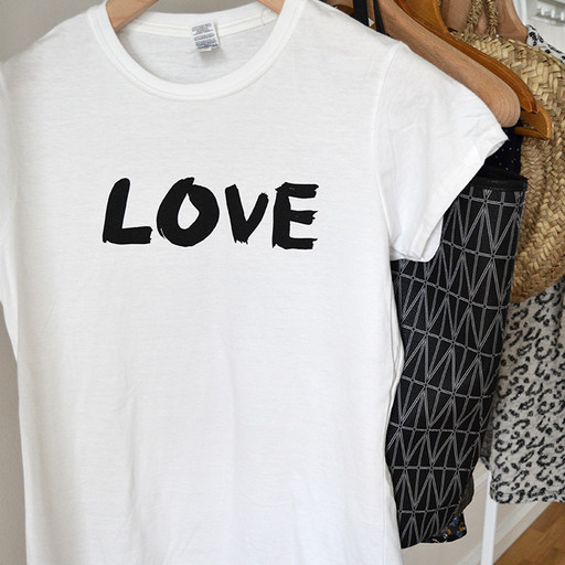 T-shirt Love, damstorlek.